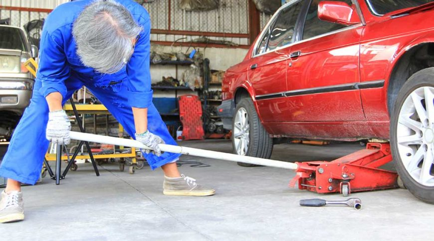 How to use a car jack properly